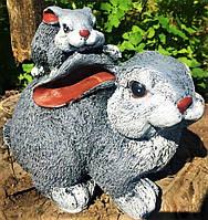 Садовая фигура скульптура для сада Зайчик с малышом, 17 см