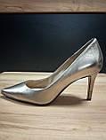Туфлі жіночі шкіряні золотисті Guess, фото 4
