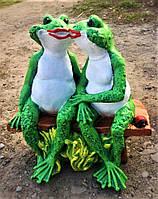Гипсовая фигурка для сада Жабы на лавке, 33 на 30 см