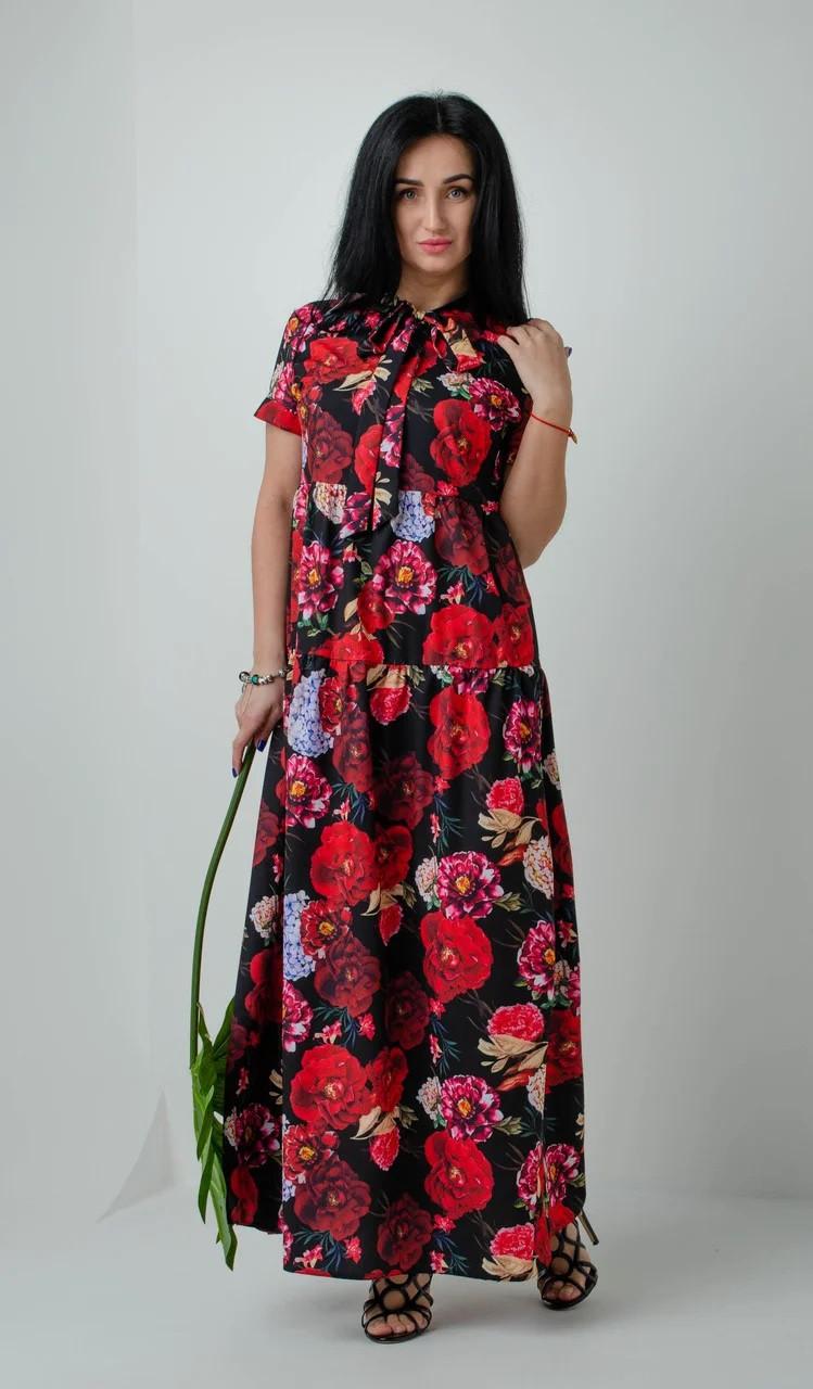 Стильное свободное платье с цветочным принтом черное