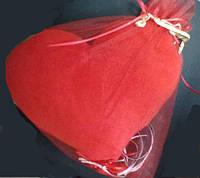 """Мягкая подушка """"Сердце"""" в подарочной упаковке из фатина"""