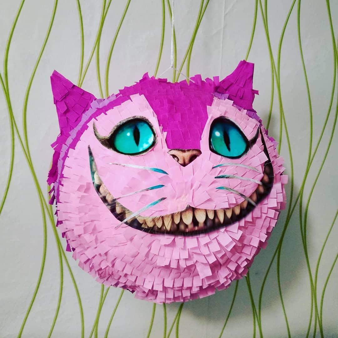 Піньята - Кіт Аліса в Країні Чудес. Є розміри і кольори. Медаль в ПОДАРУНОК .