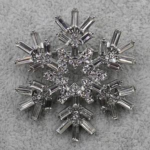 Брошка 40х40 мм метал білого кольору