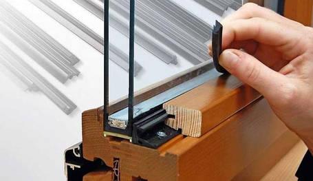 Комплектуючі для дерев'яних вікон та дверей