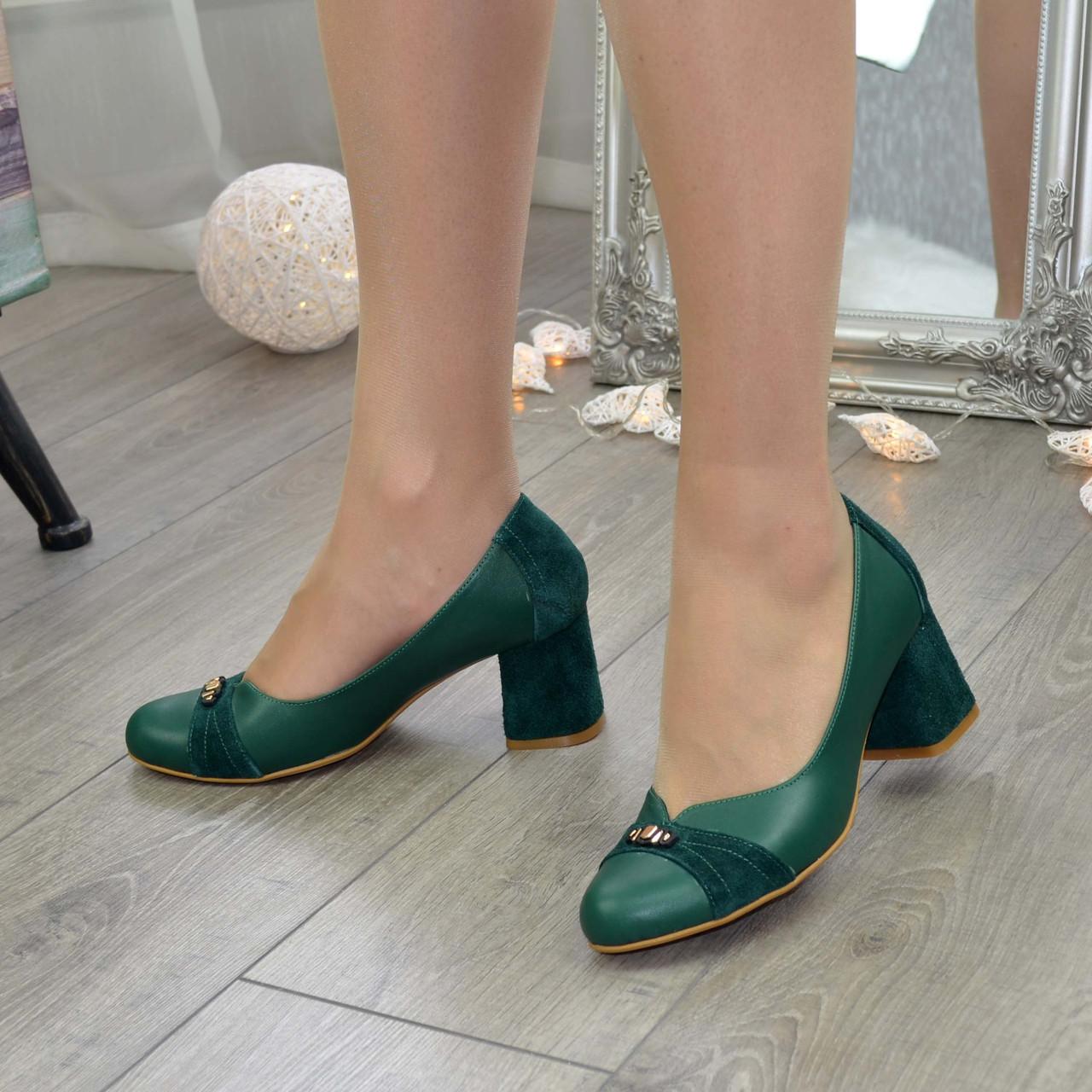 Туфли женские на невысоком устойчивом каблуке, натуральная кожа и замша зеленого цвета