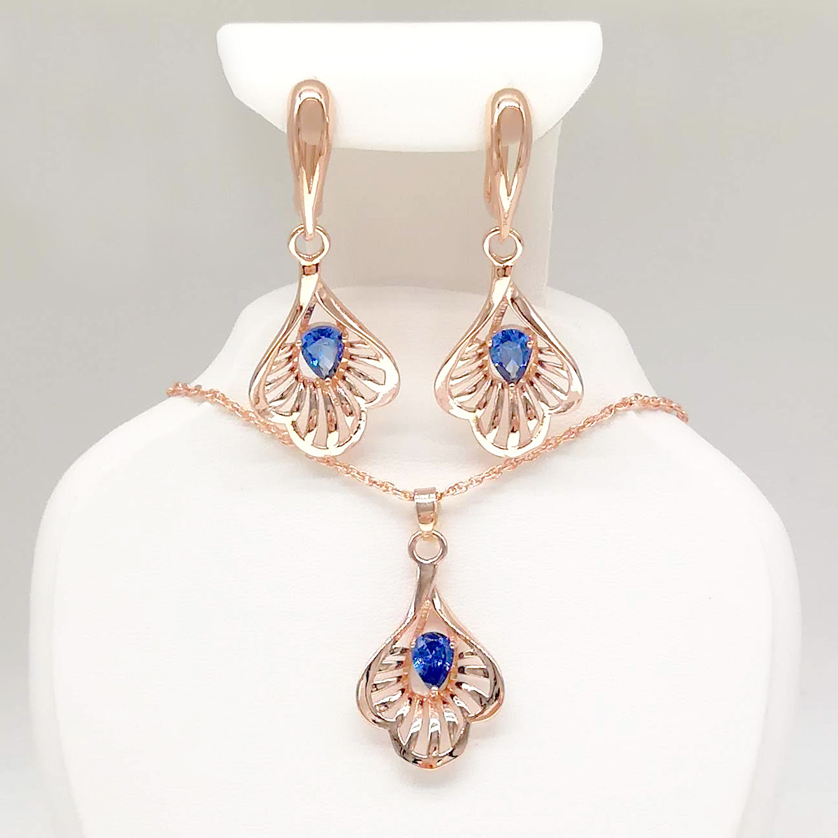 Набор из медицинского золота, синие фианиты, позолота PO, 73858             (1)