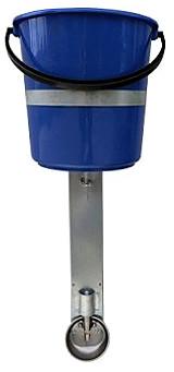 Поилка для поросят с емкостью 12 л на стойке со шланговым соединением