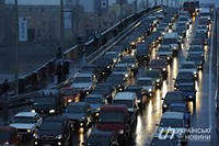 С сегодняшнего дня водители могут не включать ближний свет: какие есть исключения