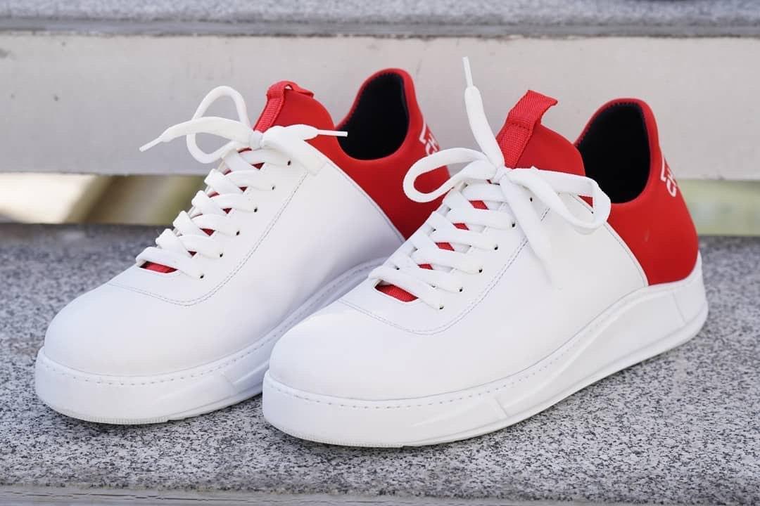😜Кросівки - Чоловічі кросівки белын з червоним задником