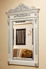 Зеркало в деревянной раме с резьбой 4