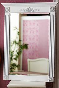 Зеркало в деревянной раме с резьбой 10