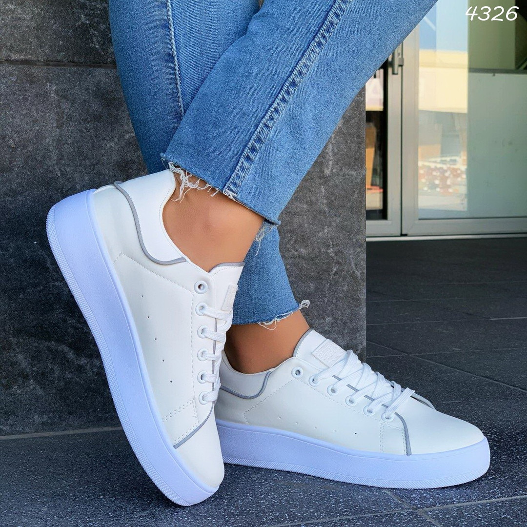 Белые женские повседневные кроссовки из экокожи 4326