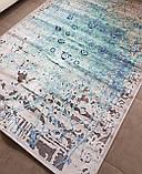 Современный ковер с бирюзовыми разводами на серо белом фоне абстракция, фото 2
