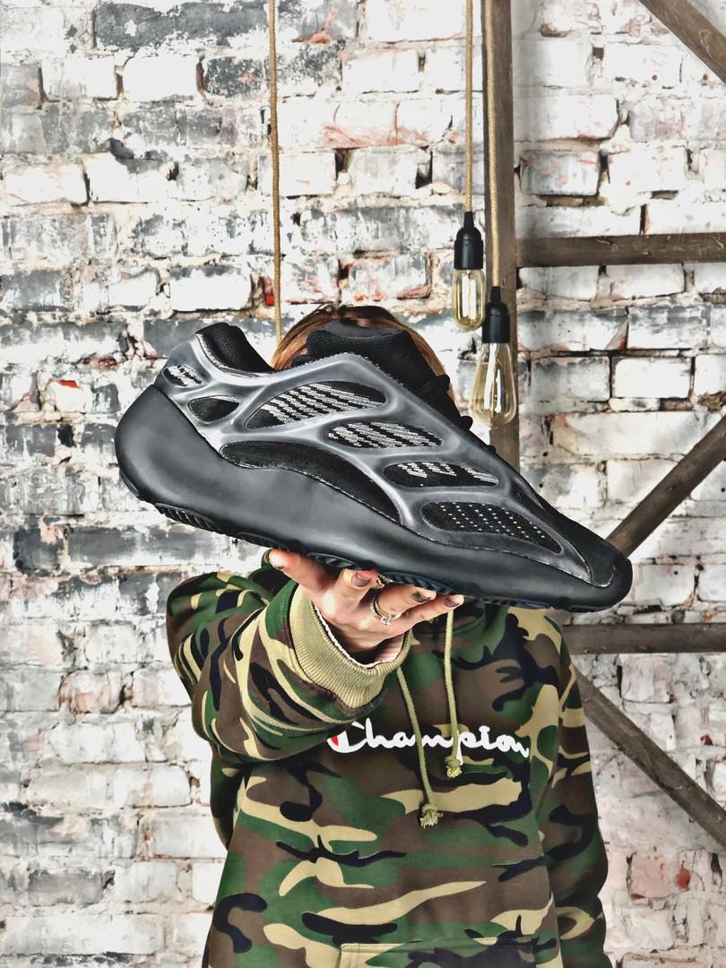 Кроссовки мужские Adidas Yeezy Boost 700 V3 BLACK.Стильные кроссовки.