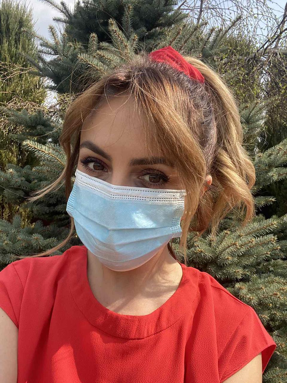 Захисні маски для обличчя сертифіковані пропаяні тришарові з фіксатором для носа