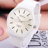 Наручные часы Geneva Sport/белые