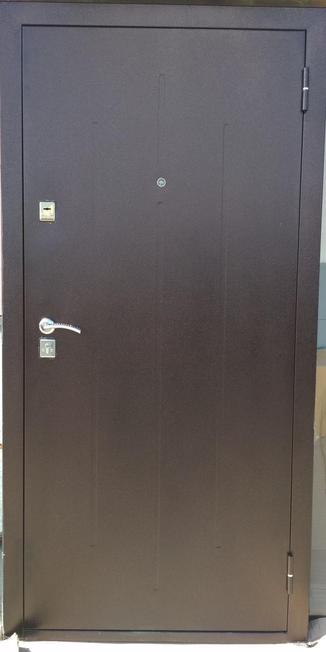 Дверь металлическая входная Стройгост 7-2 металл/металл