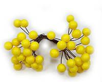 Искусственные блестящие ягоды для декора желтые d=1 см (1 упаковка - 40 ягодок), фото 1