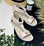 Кожаные сандалии с закрытой пяткой на плоской бортовой подошве и небольшом каблуке, фото 2
