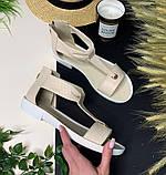 Кожаные сандалии с закрытой пяткой на плоской бортовой подошве и небольшом каблуке, фото 3