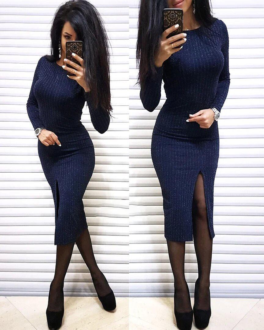 Платье резинка ниже колена с разрезом трикотаж с люрексом