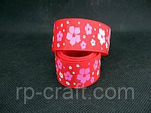 Стрічка репсова. Квіти на червоному тлі, 26 мм