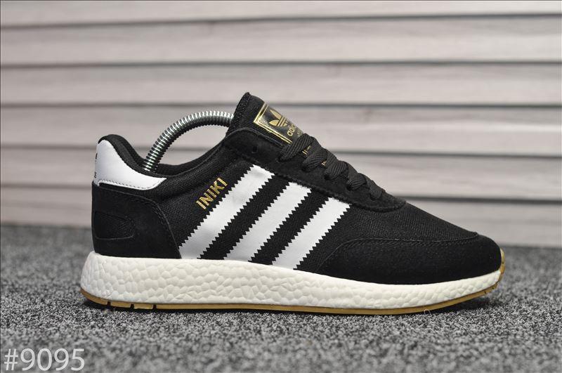 Стильні кросівки Adidas Iniki Black/white (Адідас Иники чорно-білі)