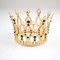 Золотистая корона из металла с черными камушками для девочки