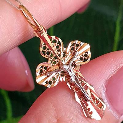 Золотий хрестик жіночий з алмазними гранями