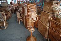 Торшер напольный, плетенный из лозы