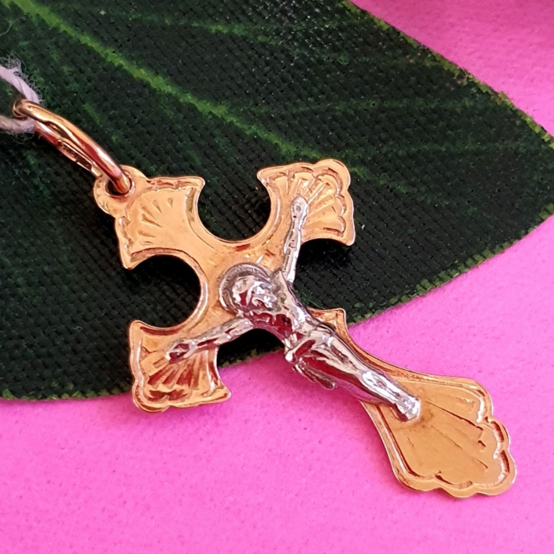 Золотой крестик нательный