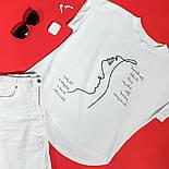 Женская хлопковая футболка белая свободная с надписью и рисунком, фото 9