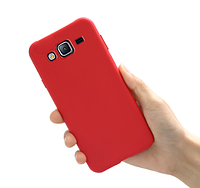 Чехол силиконовый Ультратонкий для Samsung Galaxy J7 J700 красный