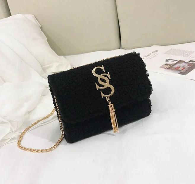 Жіноча сумочка хутряна