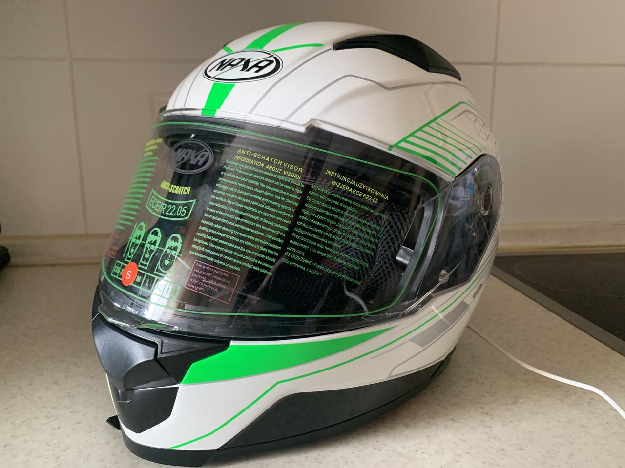 Мото шлем оригинал Европа закрытый бело-салатовый Naxa pro (Польша) сертифицирован