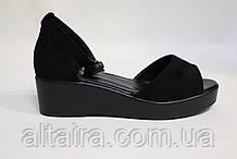 Женские черные замшевые босоножки на танкетке. Жіночі замшеві чорні босоніжки на танкетці