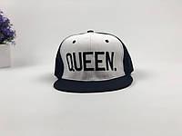 Кепка снэпбек Queen (черно-белая)