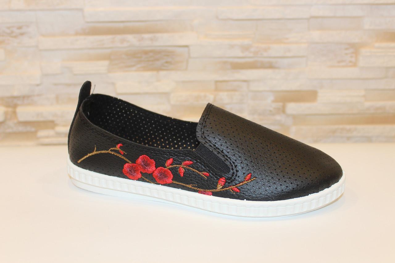 Слипоны женские черные с вышивкой Сакура Т1015