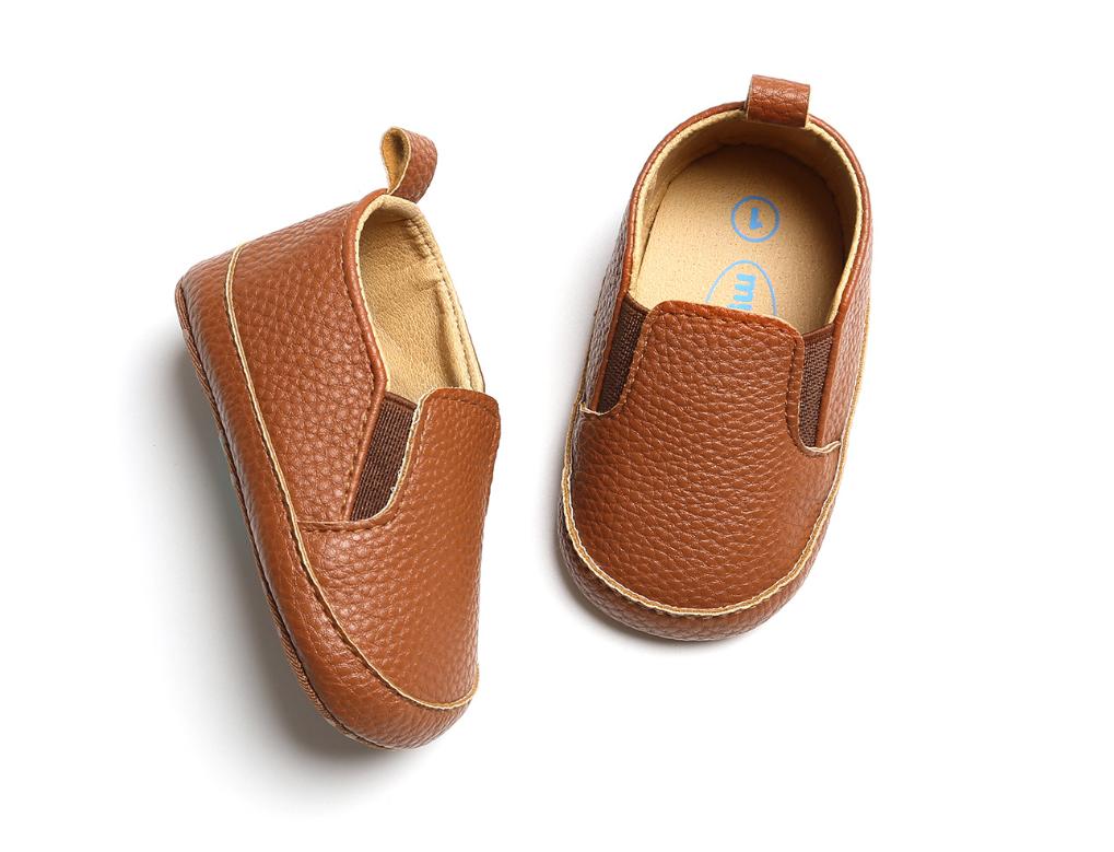Пінетки-мокасини коричневі з кожзаму пинетки ребенку