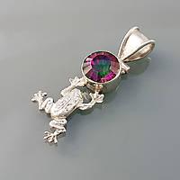 Кулон Лягушка серебряный с мистик топазом (радужный топаз) символ богатства