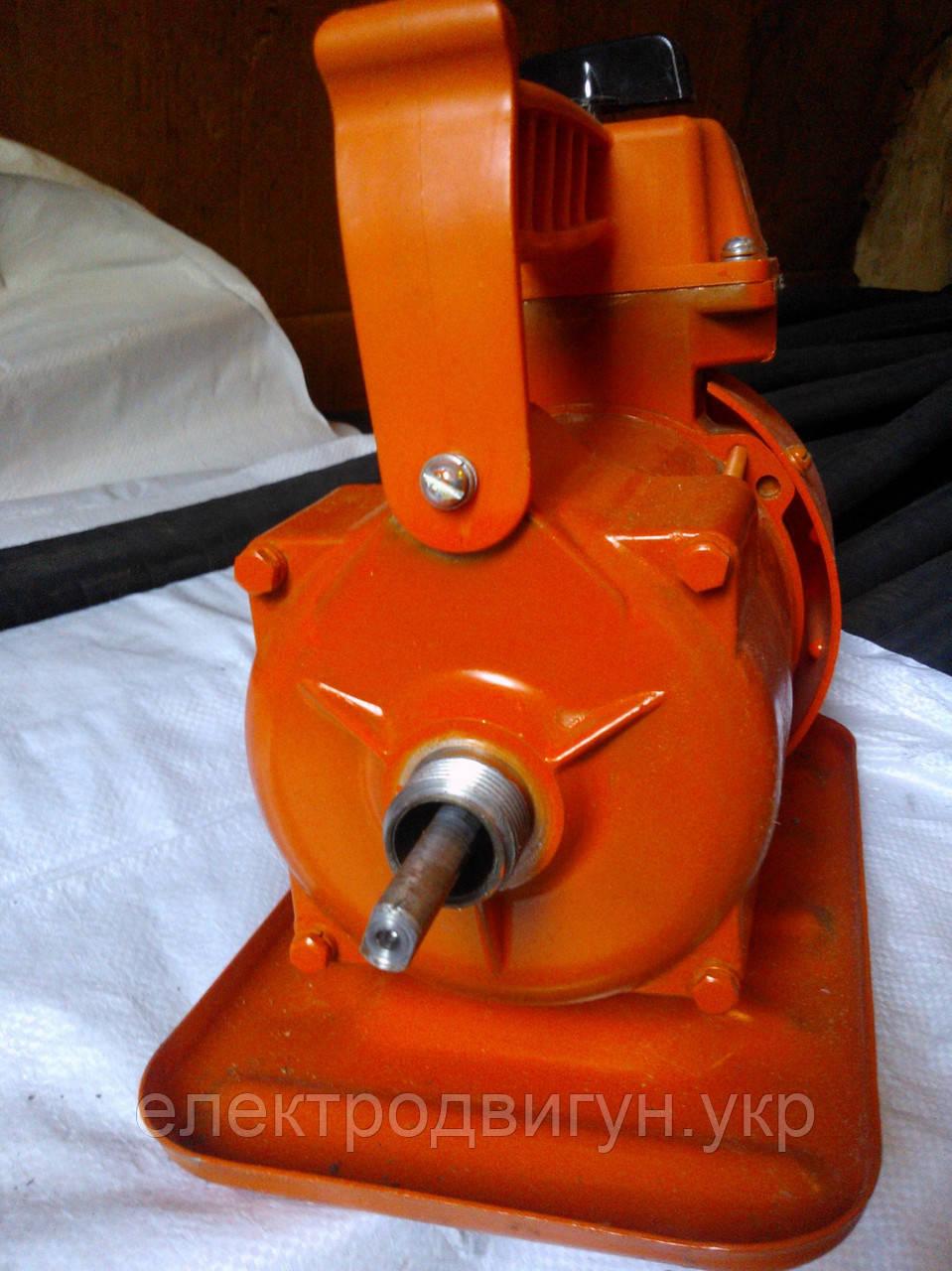 Електродвигун для глибинного вібратора ІВ-116А