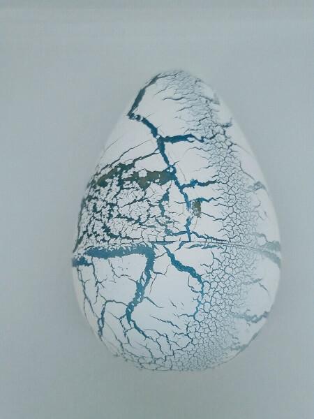 Яйцо с динозавром Орбиз (из гидрогеля) большое бело-голубое 7x11 см (40413)