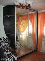 Шкафы купе с рисунком на зеркале и стекле