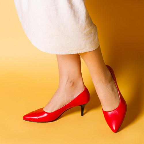 Жіночі туфлі червоні на маленькому каблуці-шпильці 6,5 див. Колір будь-який під замовлення