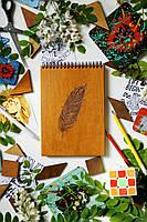 Деревянный скетчбук Перо, с деревянной обложкой А5 на 45 страниц