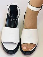 Хіт! Модні жіночі босоніжки на середній танкетці.Білі.Натуральна шкіра.Туреччина. Розмір 37,40. Vellena, фото 10