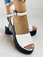 Хіт! Модні жіночі босоніжки на середній танкетці.Білі.Натуральна шкіра.Туреччина. Розмір 37,40. Vellena, фото 4