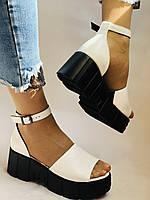 Хіт! Модні жіночі босоніжки на середній танкетці.Білі.Натуральна шкіра.Туреччина. Розмір 37,40. Vellena, фото 3