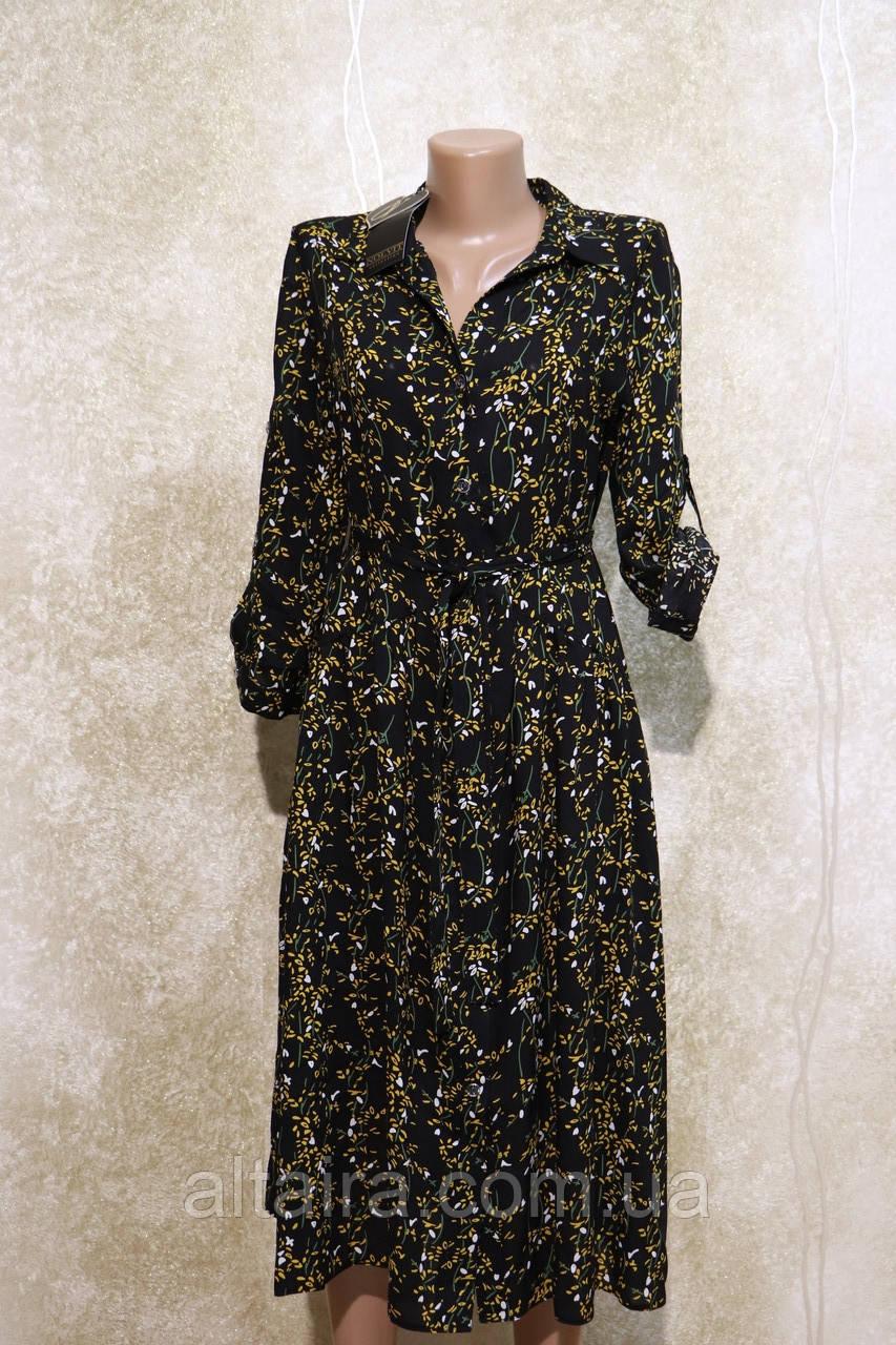Стильне літнє плаття-сорочка в рослинних візерунках і кольорах. Літнє плаття-сорочка в рослинних візерунках та квіт