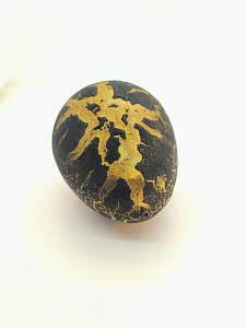 Яйцо с динозавром Орбиз (из гидрогеля, растушка) черно-золотое 4,5x6 см (40406)